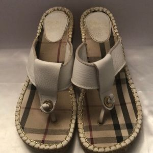 Vintage Burberry check wedge sandals🌟